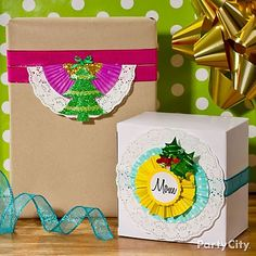 Make them smile before they even open their gifts! Click the pic to see how to make these adorbs DIY labels from paper doilies and cupcake liners.