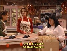 Roseanne made me fall in love with Halloween so many years ago. Halloween Pin Up, Halloween Season, Halloween Queen, Izu, Roseanne Tv Show, Spooky Scary, Creepy, Autumn Aesthetic, Beetlejuice