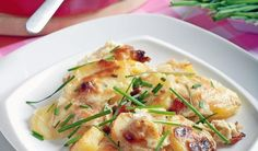 Perfektná príloha k mäsu: Zapekané zemiaky s oštiepkom | DobreJedlo.sk