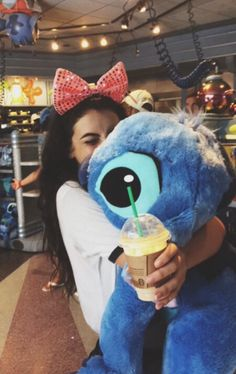 It's my dream when I ( eventually ) go to Disneyland to meet stitch and give him a big hug! Disney Dream, Disney Love, Disney Magic, Disney Trips, Disney Parks, Walt Disney World, Disney Pixar, Disney Bound, Disney Cartoons