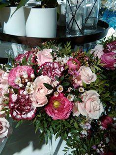 Floral Wreath, Wreaths, Home Decor, Homemade Home Decor, Flower Crown, Deco Mesh Wreaths, Interior Design, Garlands, Home Interior Design