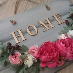 Welcome wreath #wreath #wreaths #welcome #welcomehome #welcomehomewreath #modernwreath #countrywreath #woodandflowers #flowers #flowerwreath #flowerwreaths Floral Wreath, Wreaths, How To Make, Beautiful, Home Decor, Room Decor, Garlands, Home Interior Design, Decoration Home