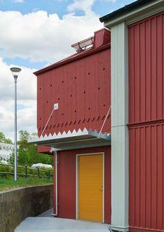 Linnéparkens förskola Metal Barn Homes, Postmodernism, Interior Architecture, Entrance, Brick, Exterior, Contemporary, Post Modern, Houses