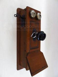 Vintage Wooden Wall Mount Hand Crank Telephone