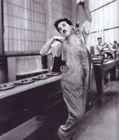 Charles Chaplin en Tiempos modernos, 1936 - Muy buena