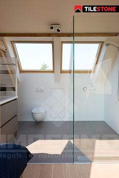 goedkope mocca grijze keramische tegel, badkamertegel, impermo, tilestone, badkamervloer, lichte vloer badkamer, inloopdouche, moderne badkamer