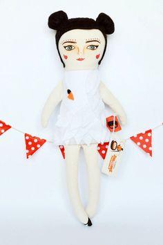 Björk Swan Cloth Doll Handmade stuffed toys by MandarinasDeTela . Mandarinas de Tela #mandarinasdetela