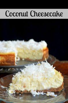 Coconut Cheesecake - a delicious dessert for Easter! Coconut Cheesecake, Cheesecake Recipes, Dessert Recipes, Pineapple Cheesecake, Cheesecake Crust, Yummy Treats, Sweet Treats, Yummy Food, Kolaci I Torte