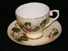 Royal Grafton Teacup and saucer Floral Pattern circa by RCSales, Etsy,  ♥cc✿