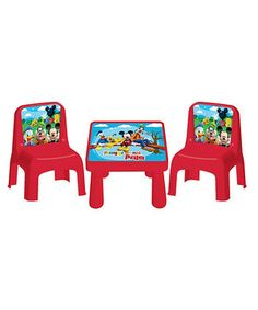 Make mealtime all the merrier with this cute café set that includes two chairs and a table that feature vibrant illustrations of Mickey and friends! Whether balancing bread or cups of cocoa, this adorable accessory brings a smile to sweeties everywhere.