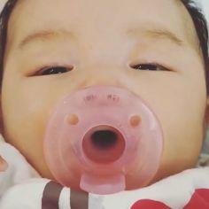 Cute Funny Babies, Cute Asian Babies, Korean Babies, Asian Kids, Cute Baby Girl, Mom And Baby, Cute Kids, Baby Boy, Sweet Baby Photos