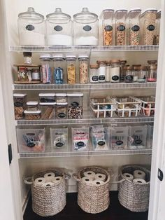 How to create a perfectly organized pantry. Get inspired to reorganize your pant… How to create a perfectly organized pantry. Get inspired to reorganize your pantry with these ideas. Kitchen Organization Pantry, Organization Hacks, Organized Pantry, Basket Organization, White Board Organization, Organizing Tools, Pantry Diy, College Organization, Household Organization