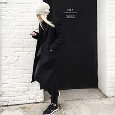 zady coat | luxe leather bags | minimalist goods delivered to you quarterly @ minimalism.co | #minimal #style #design