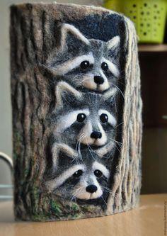 """Купить Шерстяной барельеф """"Усатое трио"""" - комбинированный, дерево, енот, панно, войлочное панно"""