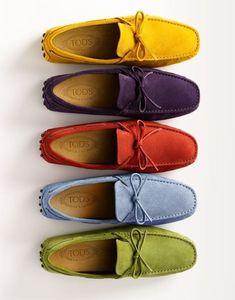 Mocasines de TOD´S, en gamuza de muchos colores. muy versátiles