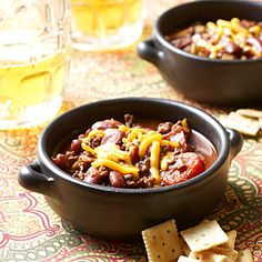 it's cold. get the crock-pot goin' this weekend: crock pot chili. This super-easy crock-pot chili recipe takes just minutes to prepare before simmering low and slow for 4 hours. Healthy Crockpot Recipes, Chili Recipes, Slow Cooker Recipes, Soup Recipes, Cooking Recipes, Crockpot Meals, Cooking Ideas, Paleo Recipes, Delicious Recipes