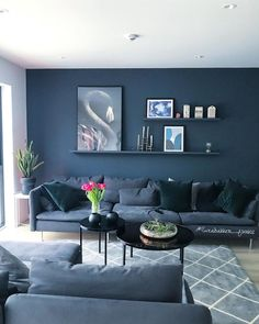 54 Trendy home living room decor wall Navy Living Rooms, Dark Blue Living Room, Blue Living Room Decor, Accent Walls In Living Room, Living Room Colors, Living Room Paint, New Living Room, Living Room Sofa, Home And Living