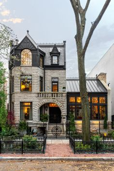 Style At Home, The Sims, House Goals, Victorian Homes, Old Houses, My Dream Home, Exterior Design, Future House, Beautiful Homes