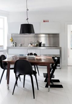 All Remodelista home inspiration stories in one place—from house tours and expert advice to product and interiors roundups. Modern Kitchen Design, Interior Design Kitchen, Kitchen Decor, Nice Kitchen, Kitchen Wood, Stylish Kitchen, House Ideas, Küchen Design, Dining Room Design