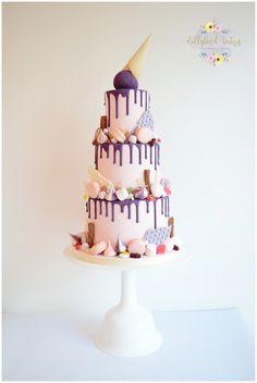 Tiered Katherine Sabbath inspired wedding cake - Knightor Winery #dripcake #weddingcake #cake #wedding
