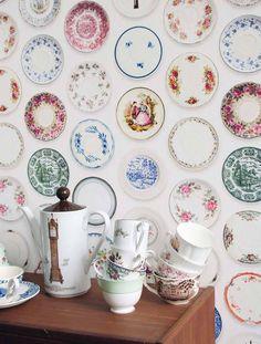 Porcellain 01 | Studio Ditte | Designers | Papel de parede dos anos 70