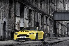 Aston Martin - V12 Vantage S
