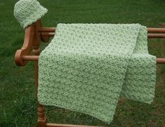 easy crochet baby blanket - can be completed in a few hours.  this & other free patterns online.