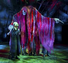 A Christmas Carol – Toby Olié Puppet Costume, Marionette Puppet, Puppets, Ghost Of Christmas Past, Christmas Carol, Set Design Theatre, Stage Design, Puppetry Theatre, Puppet Making