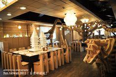 Carton Restaurant – One Gigantic Cardboard Design