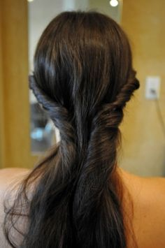 Quick And Cool Hairstyles You Can Do In 60 Seconds!