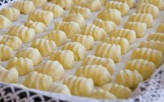 Homemade Gnocchi with Thermomix - Thermomix Recipe - italian recipes Cooking Chef, Fun Cooking, Healthy Cooking, Cooking Recipes, Cooking Bacon, Cooking Time, How To Cook Pasta, How To Cook Chicken, Cooking Quotes