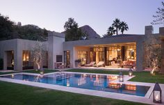 The vision for this Rancho Mirage California property says Ron Radziner of the architecture firm Marmol Radziner was to create a strong and engaging modern structure that.