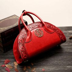 Material:PU Leather Lining:Polyester lining Length:33cm(12.99'') Hight:20cm(7.87'') Width:11cm(4.33'') Handle:9cm(3.54'') Weight:500g Color:Wine Red,Army,Brown,Royal Structure:Main Pocket,Zipper Pocket,Phone Pocket,Card Pocket Pattern:Solid Closure:Zipper Package Include: 1 * Bag Iphone iphone7,iphone 7 plus,iphoneSe,iphone6,iphone 6 plus,iphone 6s,iphone6s plus,iphone 5,iphone 4 Samsung Galaxy Note3,Galaxy NOte3 Lite,Galaxy Note4,Galaxy Note5,Galaxy Note 7 Galaxy S4,Galaxy S5,Galaxy…