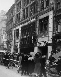 Fire at HMV, Oxford Street, London - Retronaut