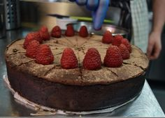 Flourless Raspberry and Chocolate Cake
