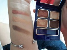 Inez eyeshadow Super duper pigmented And cheap