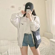 style Sexy Casual Style Outfits # korean Outfits 31 Style Fashion Looks For Starting Your Winter - Fashion New Trends Korean Girl Fashion, Korean Fashion Trends, Fashion Mode, Korea Fashion, Asian Fashion, Ulzzang Fashion Summer, Korean Fashion Summer Casual, Korean Street Fashion Summer, Style Fashion