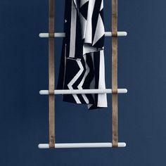 ladder-towel-rack-wall-mounted-leather-146758-8433214.jpg 800×800 pixels