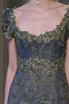 Luisa Beccaria at Milan Fashion Week Fall 2016 - Details Runway Photos Haute Couture Style, Couture Mode, Couture Fashion, Runway Fashion, Fashion Outfits, Milan Fashion, Pretty Outfits, Pretty Dresses, Beautiful Dresses