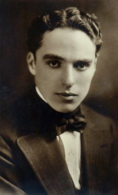 Charlie Chaplin Charlie Chaplin, Silent Film Stars, Movie Stars, Vintage Hollywood, Classic Hollywood, Charles Spencer Chaplin, Hollywood Actor, Vintage Men, Vintage Images