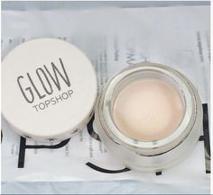 Topshop Glow in 'Polished' my thoughts... http://inthisstylee.blogspot.co.uk/2014/08/topshop-glow-polished.html #topshop #glow #highlighter #bbloggers #beauty #review