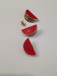 Watermelon earrings and pendant gold sterling silver, black diamonds and pigments. Eye Jewelry, Jewellery, Gold Pendant, Watermelon, Handmade Jewelry, Forbidden Fruit, Black Diamonds, Jewels, Sterling Silver