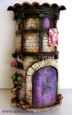 Would be cool to clay sculpt around PVC pipe to store wands in. Polymer Clay Fairy, Polymer Clay Projects, Polymer Clay Creations, Clay Houses, Ceramic Houses, Miniature Houses, Clay Fairy House, Fairy Garden Houses, Fairy Gardens