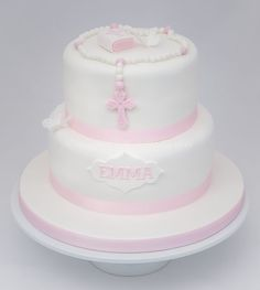 A selection of modern and traditional Christening cakes.