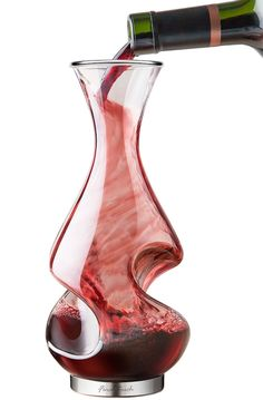 Find unique wine gifts for wine lovers and connoisseurs. Find one-of-a-kind wine glasses, decanters, and bottle holders that will make their bottle of wine even better. Carafe, Wine Gadgets, Mets Vins, In Vino Veritas, Bar Accessories, Modern Glass, Looks Cool, Couple Gifts, Wine Decanter