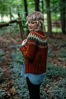 Knitting Patterns Cardigan Ravelry: The Throwback pattern by Andrea Mowry Fair Isle Knitting, Arm Knitting, Motif Fair Isle, Stretchy Bind Off, Serpentina, Christmas Knitting Patterns, Knit In The Round, Dress Gloves, Yarn Brands