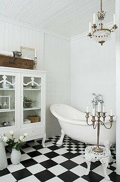 black and white bathroom - chandy