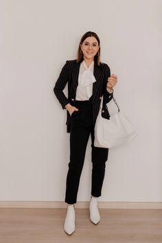 enthält unbeauftragte Werbung // paperbag hose kombinieren,was ziehe ich morgen an,was ziehe ich morgen im büro an,paperbag hose stylen, gestreiftepaperbag hose schick kombinieren,paperbag hose für welche figur,Büro Outfits im Frühling,büro outfit ideen,lookbook,frühlings outfits 2019,Hose mit Paperbag Bund kombinieren,paperbag Hose elegant kombinieren, Mode und Styling Tipps, Frühlingstrends 2019, Modetrends, www.whoismocca.com #lookbook #howtostyle #howtowear #paperbag #outfitideen