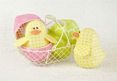 Charming Chicks and Zipper Eggs Pattern