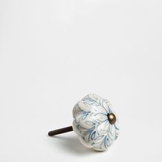 Zara Home New Collection Beach Aesthetic, Aesthetic Bedroom, Belton House, Zara Home España, Paint Color Palettes, Ceramic Knobs, Knobs And Pulls, Beach House Decor, Small Apartments